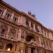 CAPITALIZZAZIONE ANNUALE ILLEGITTIMA –Corte di Cassazione sez. I, sent. N. 9127 del 6 maggio 2015, Est. Ragonesi